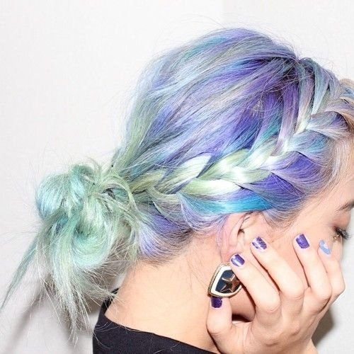 Bright hues boost US professional hair care market