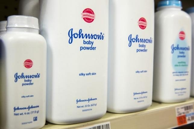 Over 1,000 women sue Johnson & Johnson for talcum powder cover up