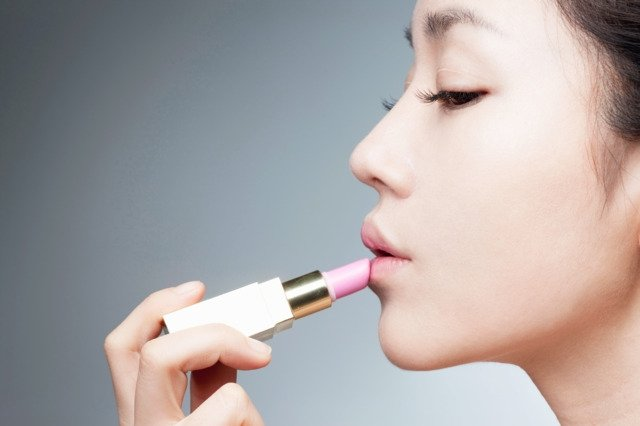 Korean cosmetics banned in China amidst political tension