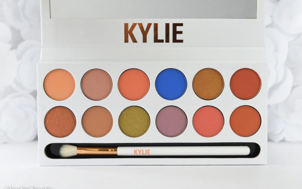 Kylie Jenner Royal Peach Palette eye kit smell creates social media backlash