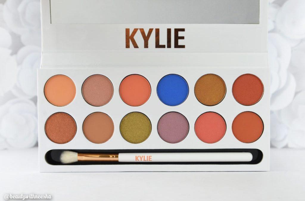 Kylie Jenner Royal Peach Palette eye kit smell creates social media backlash