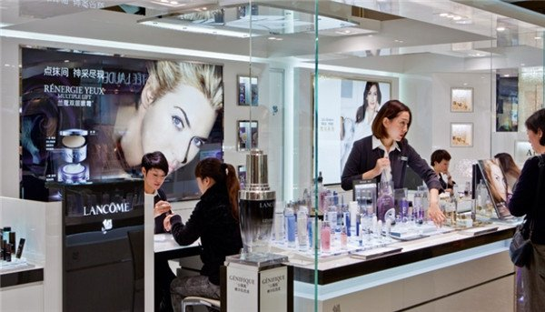 'Sheconomy' boosts China's cosmetics market