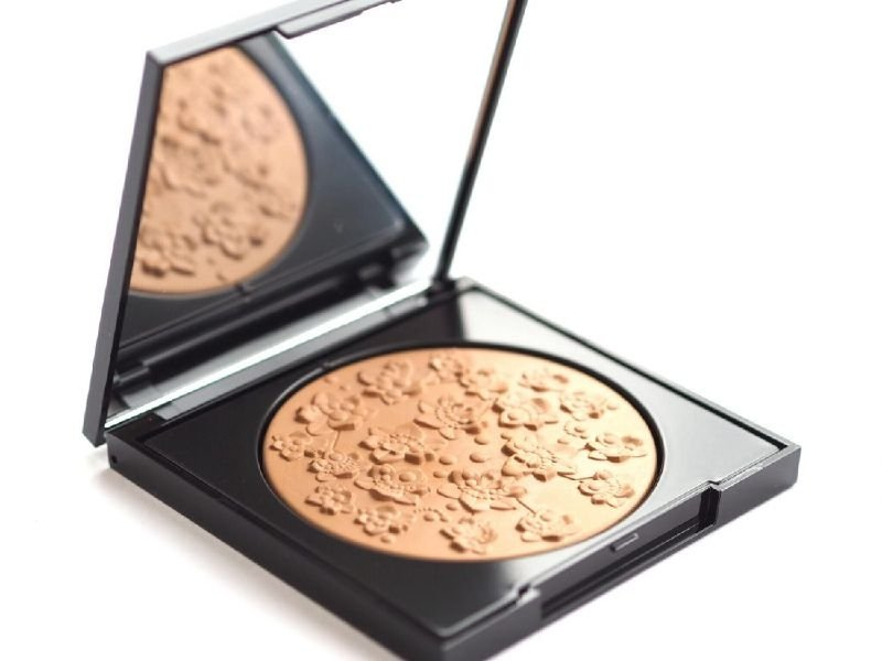 Givenchy – Healthy Glow & Body Bronzing Powder