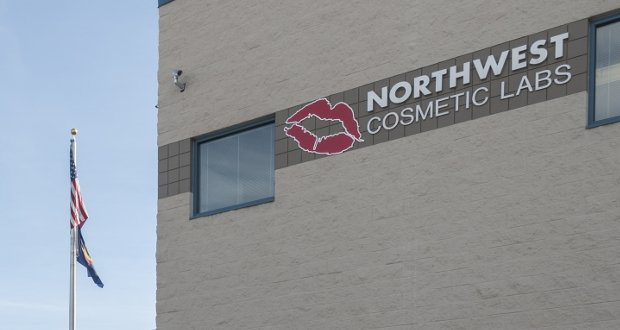 Northwest Cosmetic Labs acquires Dream Team Beaute