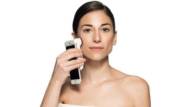 Neutrogena goes digital with new SkinScanner smartphone device
