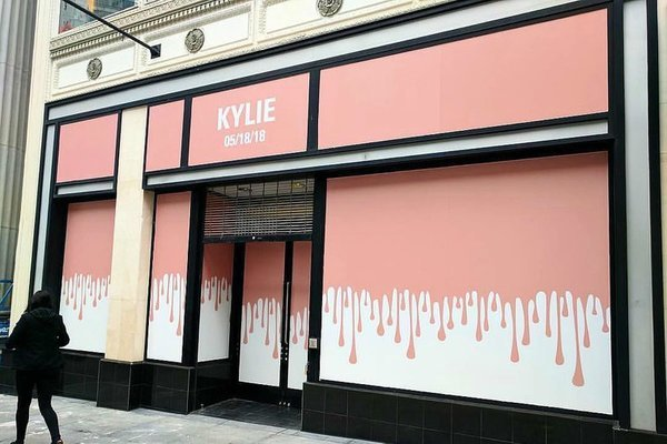 Kylie Jenner receives fan backlash for late arrival at Kylie Cosmetics Pop Up store opening