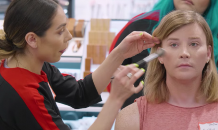 Sephora's Classes For Confidence program offers free make-up classes to transgender community