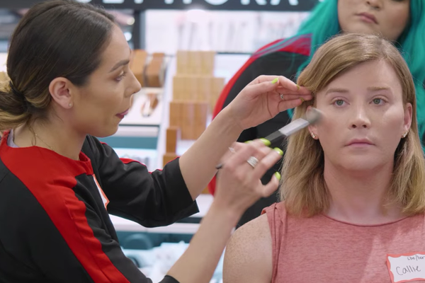 Sephora's Classes For Confidence program offers free make-up classes to transgender community