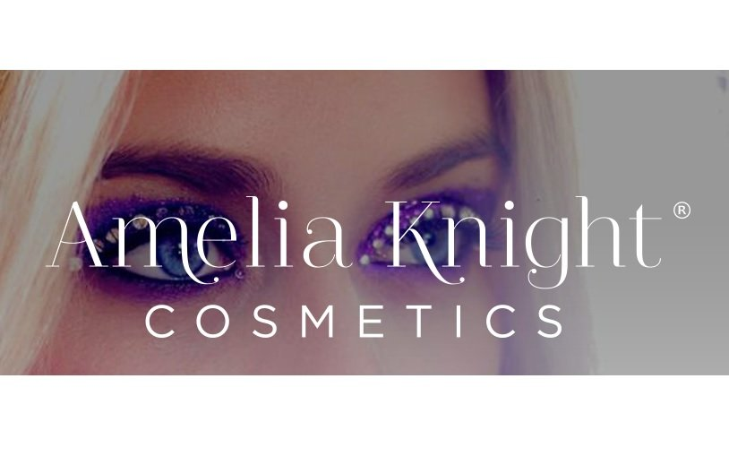 Amelia Knight acquires Pascalle Cosmetics